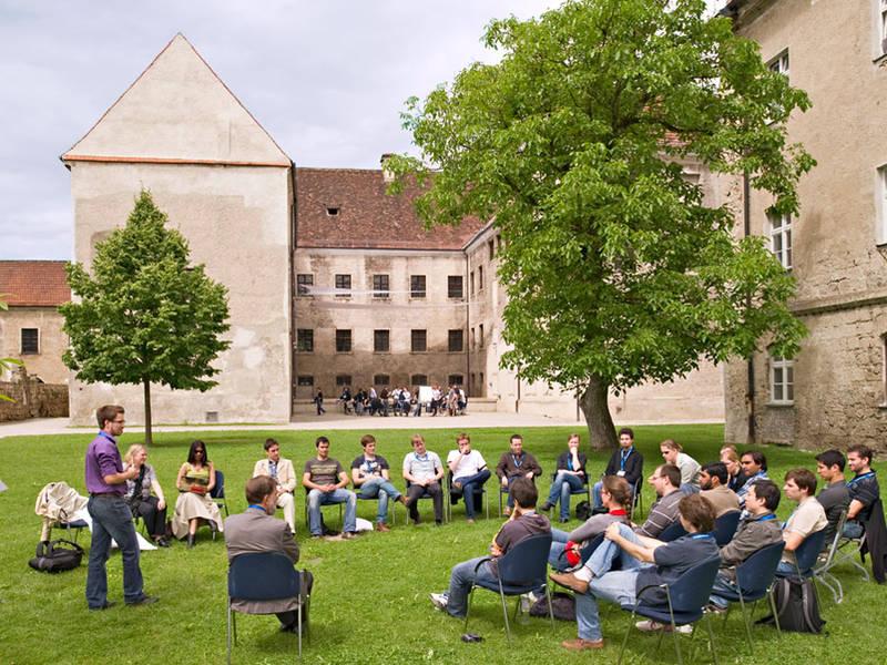 Du học Đức chọn trường và ngành học như thế nào